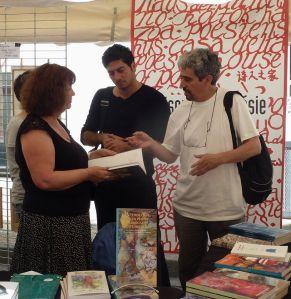Rencontre avec Marwan Makhoul Poète Palestinien au stand de la Maison de la poésie Rhône-Alpes au festival « Voix de la Méditerranée 2014 » à LODEVE https://www.youtube.com/watch?feature=player_detailpage&v=PRgIEdv9uIM